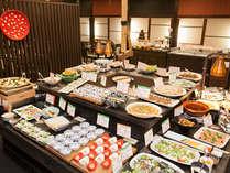 [マクロビビュッフェ] 約60種類のお料理が並びます。デザートもございます♪