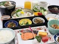 ご朝食例・銘々の和食膳 朝食はバラエティ豊かなバイキングまたは銘々の和食膳となります。