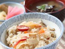 ホッキ貝の炊き込みご飯が人気です!