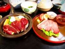 2種類のイノシシ肉を食べ比べられます。