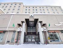 *ホテル外観/冬 スキー場までは無料巡回シャトルバスをご利用いただけます