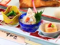 【料理長おまかせ】氷見漁港から仕入れた旬の鮮魚を使った料理長おまかせ■1泊2食付