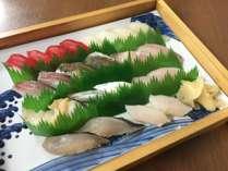 ≪お寿司≫鮨ネタは当日の仕入れ次第!旬の握りを味わう贅沢グルメプラン