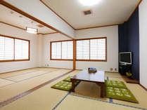 【201号室】 和室 13.5畳(7.5+6)