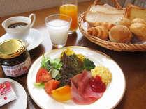 朝食 ソフトドリンクおかわり自由