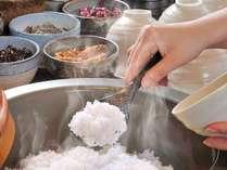 【和洋ビュッフェ朝食】東広島市の特別栽培米コシヒカリを使用。ふっくらつやつやの美味しさを是非。