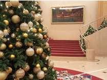 12月はロビーがクリスマス一色に。