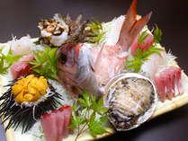 *新鮮な旬魚の姿造り