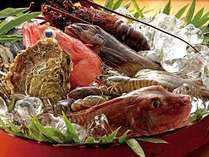 【お献立】旬の贅沢な素材を使ったお料理をご用意いたしております。