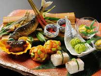 ■季節の懐石料理(一例)地場の旬を月替わりのお献立でご用意致します