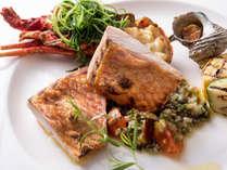 【夕食イメージ】メインの魚料理は日々、調理法が変わります