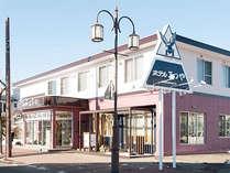 【ホテル外観】JR駅や空港からのアクセスが良好な好立地。