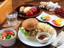 【選べる夕食-全体】鹿肉ハンバーガー/ポテト/サラダ/デザート