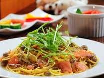 【選べる夕食】信州サーモンのクリームパスタ/サラダ/デザート