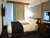 セミダブルルーム(広さ13.09平米/ベッド幅134cm)カップルの方々に特にお勧めです。