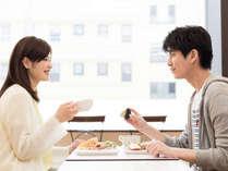 ◆明るい朝食会場で◆気持ちのよい一日のスタートを◆