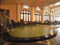 【光明皇后様の千人風呂】3つの源泉が注ぐ湯量豊富、源泉かけ流しの湯。