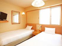 ★ツインルーム(12平米)・ベッドサイズ(95×195)