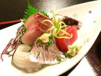 【夕食のみ】磯料理 山田屋のお食事券付き!海を目の前にした1棟貸切コテージ♪