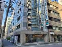 神田オフィス街の閑静な佇まい