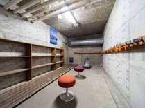 *スキー乾燥室/スキーやスノーボード置き場としてご利用ください。