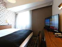 【新館】デラックスダブル(広さ15平米/ベッド幅160cmのワイドベッド設置)
