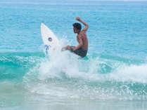 【サーフィン】種子島出身プロサーファーのスタッフが働いています