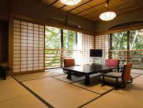 【和室二間 70平米】清流近くに位置し、せせらぎと箱根外輪山の眺望も魅力。