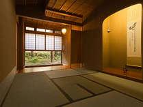 【迎賓館 光源氏】お部屋には、海石榴に唯一特別にしつらえた茶室がございます。