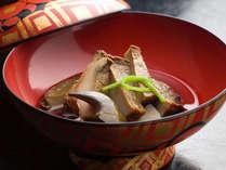 【特別料理】 やわらか煮 鮑の冷製