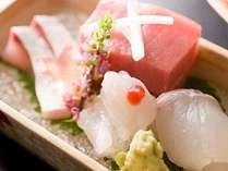 ■お造りは相模・駿河湾の地魚や、全国から選び抜いた旬の魚介を盛り合わせ(※イメージ)