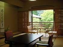 【和室二間 50平米】季節の風景に心安らぐ、くつろぎの和室。