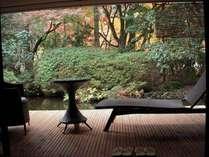 【和洋室露天風呂付 70平米】自然に癒されるひとときを。(秋)