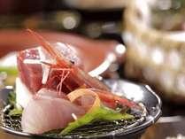 お造りは相模・駿河湾の地魚や、全国から選び抜いた旬の魚介を盛り合わせ(※イメージ)