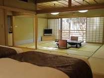【和洋室70平米】12畳和室+ベッドルーム。窓からは箱根外輪山を望みます。