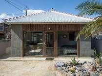 沖縄古民家をリノベーションした母屋