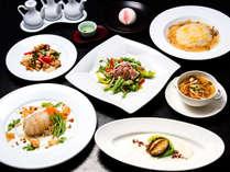 *【夕食全体例】質・量ともに自慢の味覚が食卓を彩ります。