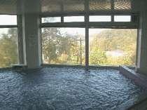 展望大浴場。標高1600メートルからの眺めは最高です!