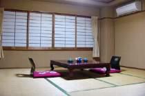 人数に応じてお部屋をご用意致します。全室、空気清浄機完備。