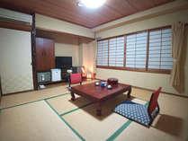 【お部屋一例 8畳タイプ】人数に応じてお部屋をご用意致します。全室、空気清浄機完備。FREE Wi-Fi完備。