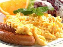 淡路島の食材を活かしたミニバイキングスタイルの朝食付き