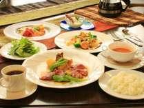 季節の食材を使ったオーナー自慢の欧風創作フルコース料理。