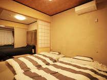 ・101号室:小上がりの和室 扉を開放すると3室がひと続きの空間になります