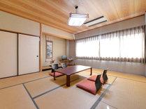 *和室10畳(一例)/自然豊かな秋吉台に佇む当館だからこその絶景をお部屋からお愉しみいただけます。