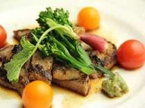 みゆきポークの塩麹焼きシンプルな味付けでお肉のそのものの美味しさを味わえます。
