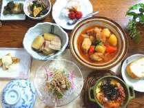 新鮮野菜のちょっと贅沢な田舎料理丁寧に仕上げられた一品一品はお客様からご好評いただいております。