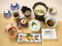 老舗豆腐の人気和定食(春)