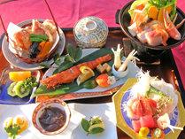 *【夕食/グレードUP】海鮮をふんだんに使った、色鮮やかな料理の品々。