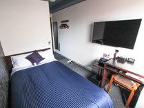 ◆シングルルーム◆全室セミダブルベッドを完備!最大2名様までご利用頂けます。※添寝利用となります。
