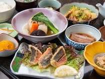 *丸ごとうちなー定食/沖縄素材たっぷりの和定食
